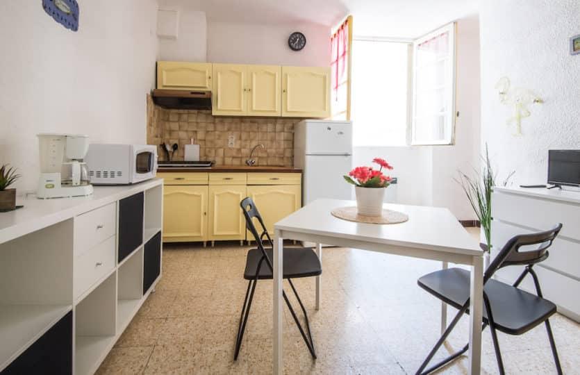 Mas-a-vendre-agent-immobilier-Fontvieille-Raphele