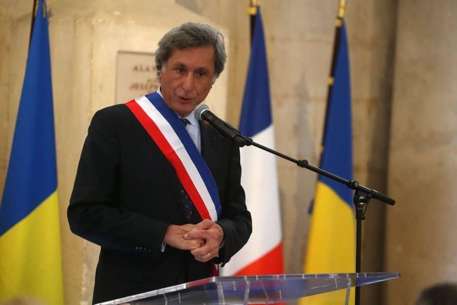 Patrick de Carolis élu maire d'Arles