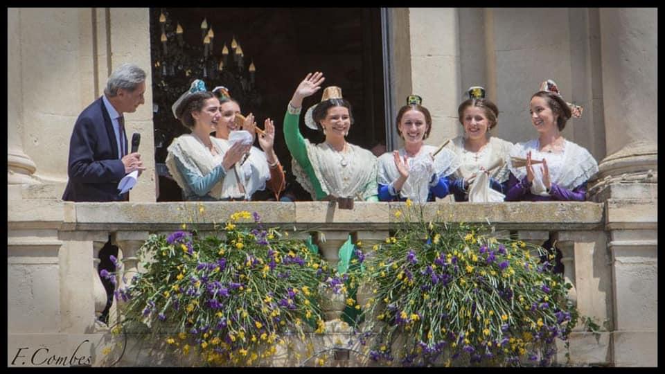 Le peuple d'Arles a une nouvelle Reine, Camille Hoteman !